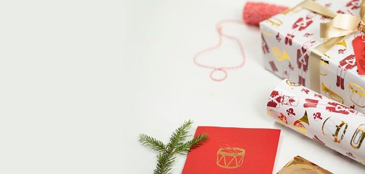 Nutcracker giftwrapping