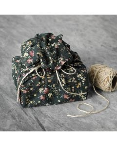 Reusable patchwork fabric gift wrapping