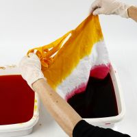 How to dip'n dye using the tie-dye technique